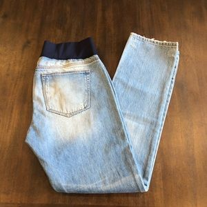 Gap Maternity real strait size 29  8 light wash